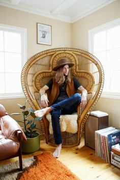 Love this big peacock chair!