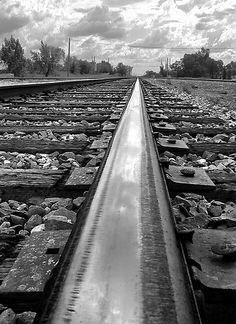 Rocklin, California tracks b&w | Rocklin-history-trains