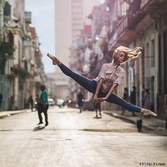 Omar Robles photographs dancers in the streets - 20 stunning images at http://www.ifitshipitshere.com/omar-robles-photographs-dancers-in-the-streets/