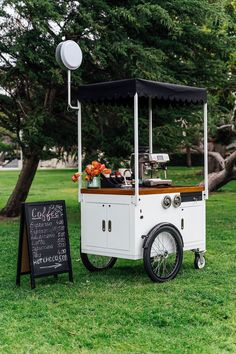 Ferla Mini Compact Vending Cart (Available in Stock) Mobile Coffee Cart, Mobile Coffee Shop, Mobile Food Cart, Food Cart Design, Food Truck Design, Coffee Carts, Coffee Truck, Coffee Barista, Coffee Maker