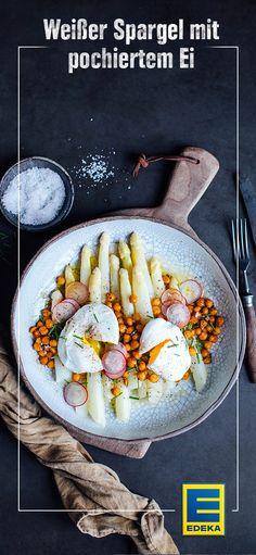 Spargelsalat mit Kichererbsen und pochiertem Ei. #spargel #ei #edeka