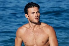 Scott Eastwood | POPSUGAR Beauty