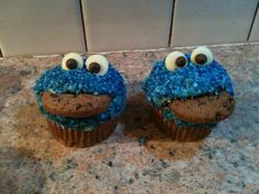 Cookie monster cupcakes x