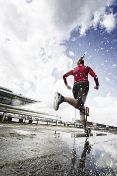 Urban running photo taken in Germany by Lars Schneider via ISO 1200 Magazine
