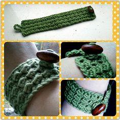 Ravelry: Bumps + Button bracelet pattern by Mette Scott
