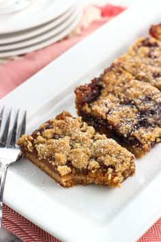 Easily customize the flavor of these simple jam bars with crumb topping by picking your favorite jam or jelly. Perfect for using up open jars of jam!