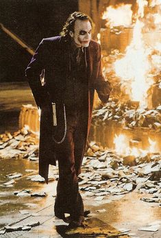 Image uploaded by Find images and videos about heath ledger, the joker and the dark knight on We Heart It - the app to get lost in what you love. Der Joker, Joker Heath, Joker Art, Batman Art, Gotham Batman, Batman Robin, Joker Dark Knight, The Dark Knight Trilogy, Joker Hd Wallpaper