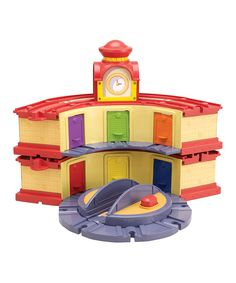 Double-Decker Roundhouse on Elevating Turntable