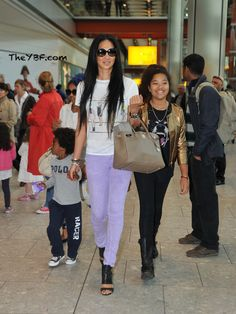 Grey, off-white and denim - ignore the black accessories! Kimora Lee Simmons, Best Fashion Designers, Beautiful Babies, Beautiful People, Black Families, Cool Style, My Style, Mamas And Papas, Kids Bags