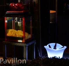 Popcorn et boissons au choix pour un party réussi!   http://www.clubpiscine.ca/2674-produit-accessoires-meubles-de-jardin-eclairage-d-ambiance-del.html