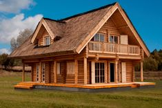 Be Amazed With the Perfect Structure of This Ideal Log Home - Living Daily Log Cabin Homes, Cottage Homes, Style At Home, Small Wooden House, Log Home Living, Wooden Buildings, Barn House Plans, A Frame House, Timber House