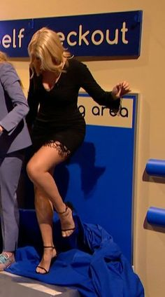 Great Legs, Nice Legs, Beautiful Legs, Beautiful Women, Tv Girls, I Love Girls, Holly Willoughby Legs, Animatrices Tv, Celebrity Boots