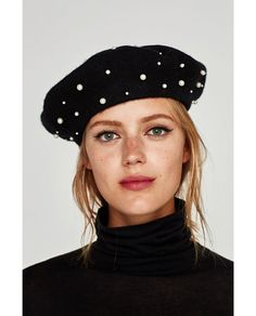 Beret embellished with pearls Zara, Paris Winter Fashion, Beret Outfit, Cool Hats, Girl With Hat, Hats For Women, Bag Accessories, Retro, My Style