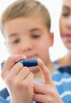 Diabetes is a disease where a person's body is unable to properly store and use glucose. Glucose is a form of sugar and if someone has diabetes their glucose levels will often rise too high. There are basically two different types of diabetes including. Signs Of Diabetes, Types Of Diabetes, Prevent Diabetes, Diabetes Facts, Diabetic Breakfast, Diabetic Snacks, Diabetic Weight Watchers, Sugar Diabetes, Per Diem