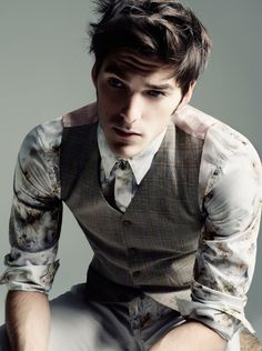 Beautiful glen plaid vest.