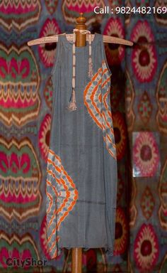 Kurti designs that will look good on every woman - ArtsyCraftsyDad Indian Fashion, Boho Fashion, Fashion Dresses, Ethnic Fashion, Indian Attire, Indian Wear, Pakistani Outfits, Indian Outfits, Kurta Designs
