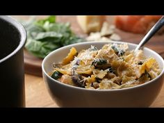 One-Pot Creamy Mushroom And Chicken Pasta - YouTube