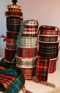 tartan ribbons so pretty for wrapping Christmas gifts Scottish Plaid, Scottish Tartans, Scottish Highlands, Harris Tweed, Tartan Weihnachten, Tartan Christmas, Christmas Themes, Christmas Gifts, Cabin Christmas