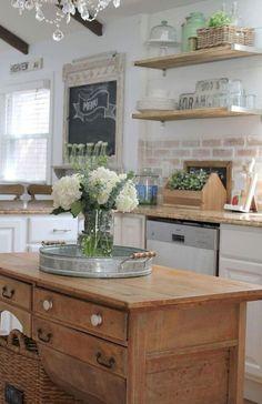 Nice 70 Gorgeous Farmhouse Kitchen Cabinet Makeover Ideas https://decorapartment.com/70-gorgeous-farmhouse-kitchen-cabinet-makeover-ideas/