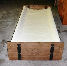 Portable viking bed - excellent for weekend events when I am alone. - Portable viking bed – excellent for weekend events when I am alone. Portable viking bed – excellent for weekend events when I am alone. Woodworking Toys, Woodworking Workshop, Woodworking Furniture, Woodworking Projects, Woodworking Patterns, Woodworking Techniques, Viking Bed, Viking Camp, Viking House