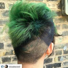 www.foxdensalon.com - #Repost @sicaiscool  I'm still just over here turning the whole world green. I can't help myself I'm inspired.  #greenhair #nofilterneeded #ilovemyclients #foxdensalon #minneapolis #hairstylist #dyedgirls #dyeddollies #pinterest #hair #peacockhair #pinteresthair #mermaid #hairaddict #joico #joicointensity #vivids #hairtransformation #professionalstylist #americansalon #modernsalon #weloveourclients