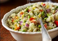 Skinny Girl Lunch Ideas - the article doesn't actually include the recipe for the quinoa salad, it was too pretty to lose.