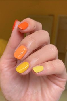 Orange Gradient Halloween Nail Art Ideas. Skittles nails are still going strong. This lets you get in on the trend while still nodding to the holiday. Plus, it's about as easy to DIY as nail art comes. Two Color Nails, Dip Nail Colors, Love Nails, Fabulous Nails, Perfect Nails, Gorgeous Nails, Pretty Nails, Gradient Nails, Gel Nails