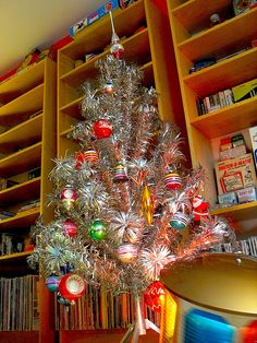 1950s 1960s Kitsch Christmas Evergleam Alminum Tree with Electric CAR MAC Carousel Lamp