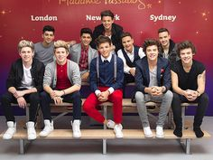 One Direction Meets Their Wax Figures in London!!