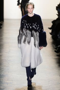 View the Prabal Gurung Fall 2016 RTW collection. See photos and video of the F2016RTW runway show. Prabal Gurung
