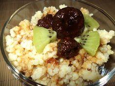 Budinca De Mei Cu Dulceata De Capsune / Millet Pudding With Strawberry Jam https://vegansavor.wordpress.com/2015/07/09/millet-pudding-with-coconut-strawberry-jam-and-kiwi/ #Topoloveni #strawberry #jam #millet #pudding #kiwi #coconut #vegan #sweets