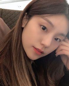 Photo album containing 16 pictures of Yeji Kpop Girl Groups, Korean Girl Groups, Kpop Girls, Aesthetic Photo, Korean Beauty, Ulzzang Girl, New Girl, South Korean Girls, Singapore