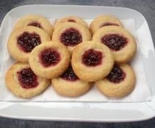 Recipe Jam Drop Biscuits by Janine Smith - Recipe of category Baking - sweet