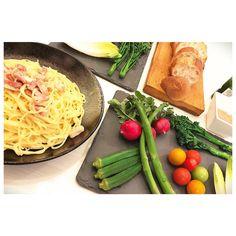 おうちごはん🌼  ⦿ カルボナーラ ⦿ バーニャカウダ ⦿ フランスパン