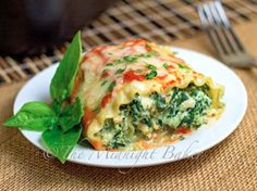 Casseroles can be an excellent, tasty way to use up your leftovers. The next time you're trying to find ways to get rid of that leftover chicken, whip up Cheesy Lasagna Rolls. This healthy dinner recipe is comforting, filling and flavorful.