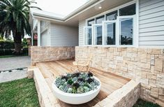 Using a mix of materials is just one way to put a modern twist on the classic Hamptons look! Scyon Linea weatherboards are used to create this beautiful home exterior. Hamptons House, The Hamptons, Kyal And Kara, Ranch Style Homes, Facade House, House Facades, Wall Cladding, Australian Homes, House Front