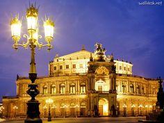 Semper Oper by night ~ Dresden, Germany www.walldesk.net