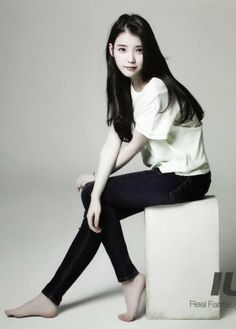 Share, rate and discuss pictures of Ji-eun Lee's feet on wikiFeet - the most comprehensive celebrity feet database to ever have existed. Iu Fashion, Fashion Poses, Korean Fashion, Jeans Fashion, Body Poses, Korean Celebrities, Beautiful Asian Women, Sexy Asian Girls, Korean Actresses