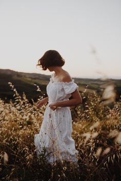 tuscany dream Outdoor Portrait Photography, Outdoor Portraits, Beauty Photography, Creative Photography, Fashion Photography, Debut Photoshoot, Style Photoshoot, Portrait Inspiration, Photoshoot Inspiration