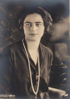 Ileana of Romania Romanian Royal Family, Ferdinand, Austria, Dame, Victoria, Noblesse, Descendants, Edinburgh, Ethnic