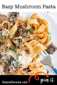 This Portabella Mushroom Pasta is made with a rich mushroom & thyme ragù. The sauce is a base of shallots, tomato paste, thyme and garlic. Italian Pasta Recipes, Easy Pasta Recipes, Sauce Recipes, Pork Recipes, Pasta Dishes, Food Dishes, Main Dishes, Pasta Meals, Mushroom Pasta