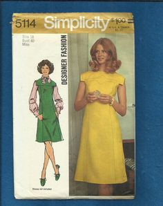 1972  Simplicity 5114 Fabulous Detailed Dress with a by MrsWooster, $12.00