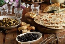 Τα σημαντικά οφέλη της νηστείας και πώς δεν θα μας λείψει τίποτα Hummus, Mexican, Ethnic Recipes, Food, Essen, Yemek, Mexicans, Meals