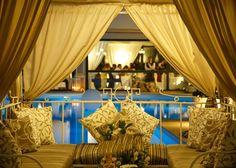 La nuovissima piscina di Villa Posillipo è il luogo ideale per festeggiare il tuo party in piscina sogno.