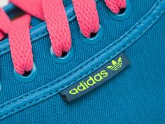 ADIDAS ORIGINALS HONEY SLING SPRING BREAK COLLECTION SCARPA DONNA Prezzo: 75,00 € Shop Online: www.aw-lab.com/shop/adidas-spring-break-collection/adidas-originals-honey-sling-spring-break-collection-5899209