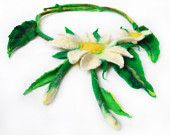 Necklace, felted necklace White Daisy natural floral blooming jewelry