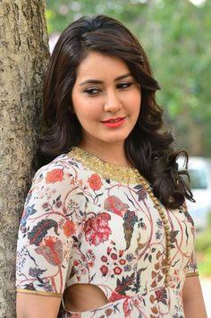 Actress Rashi Khanna at Bengal Tiger Press Meet stills 2