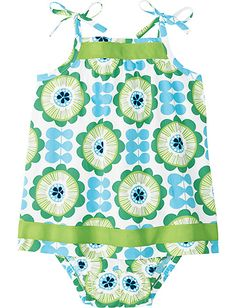Pillowcase dress for babies - easy to add cute ribbon!