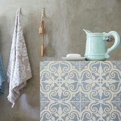 Maak jou teëls mooi en gee jou huis kleur. Ons het inspirasie uit Marokko gekry vir dié drie maniere.