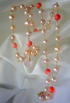 Rosenquarz Koralle Perlenkette mit Anhänger von MorgentauSchmuck